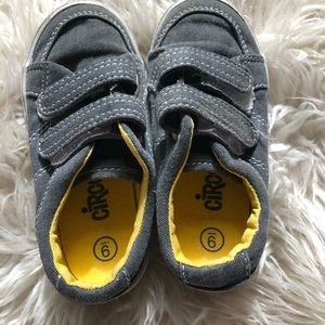 Circo brand toddler shoes. Size 9.